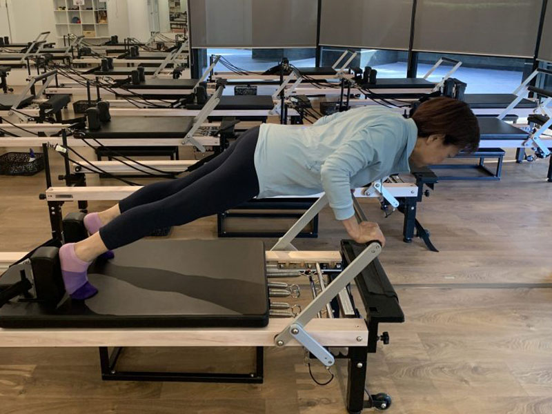 Pilates-overcomes-back-pain-strong-core